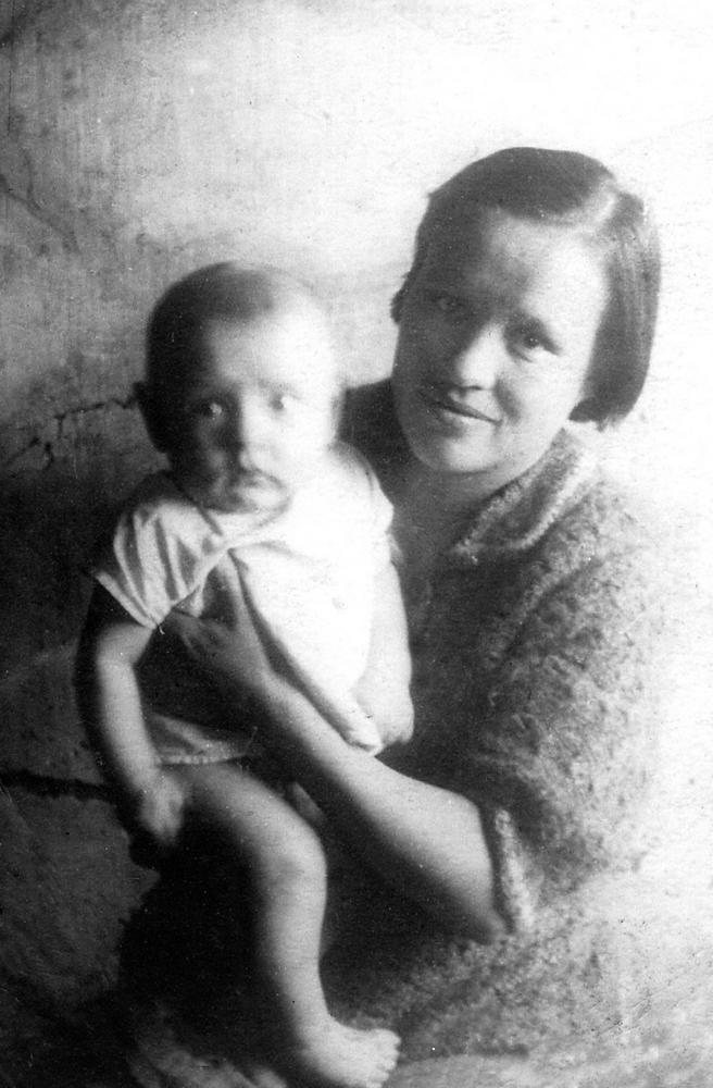 Родной сын не устоял перед красивой мамой и взял ее силой фото 274-88