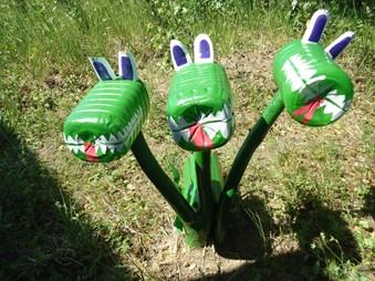 Змей горыныч из пластиковых бутылок